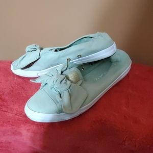 Green slip on converse